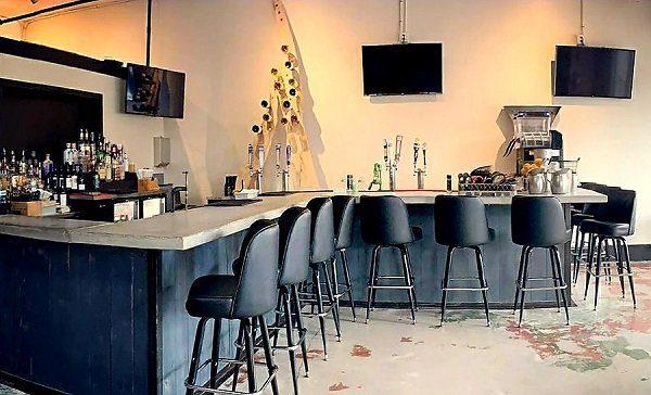 Central Cafe restaurant bar Bradenton